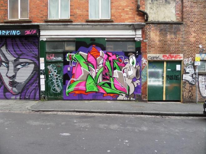 Deamze, Kings Square Avenue, Bristol, April 2017