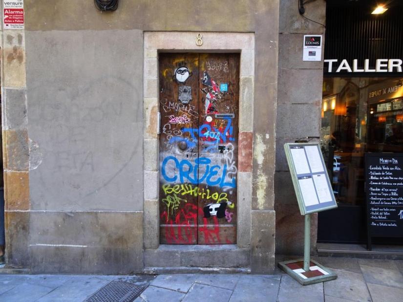 Barcelona door, March 2018