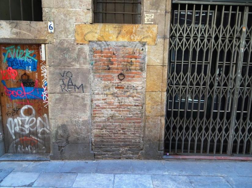 Barcelona 'not door'