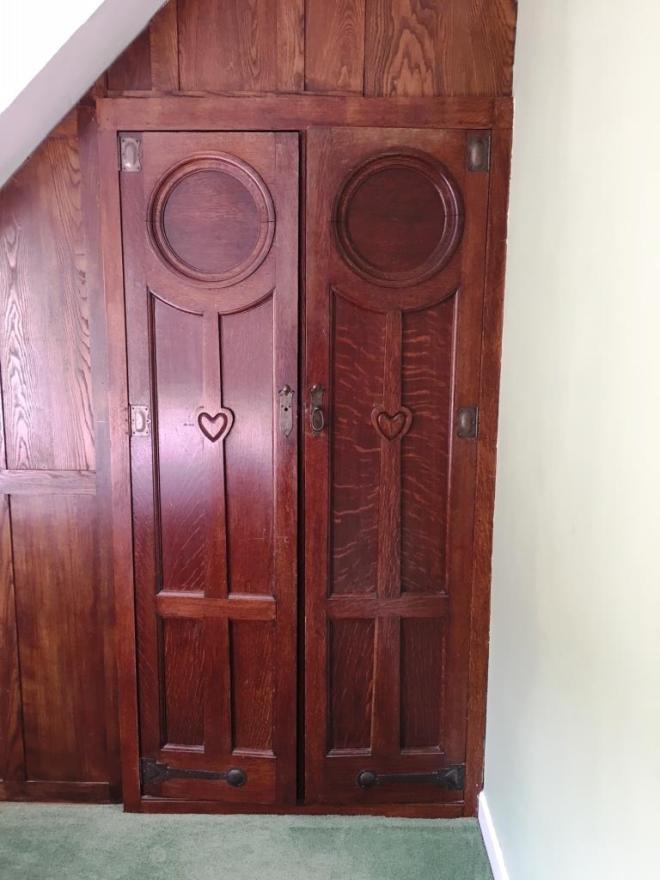 Thursday doors, Scary door
