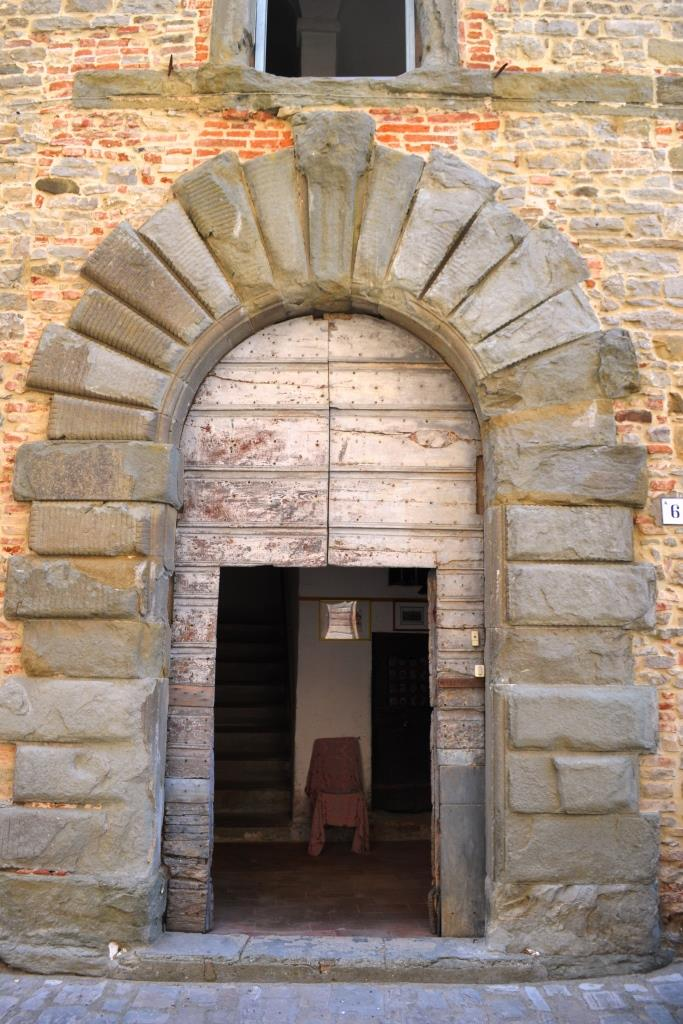 Door, Monte Santa Maria Tiberina, Umbria, August 2018