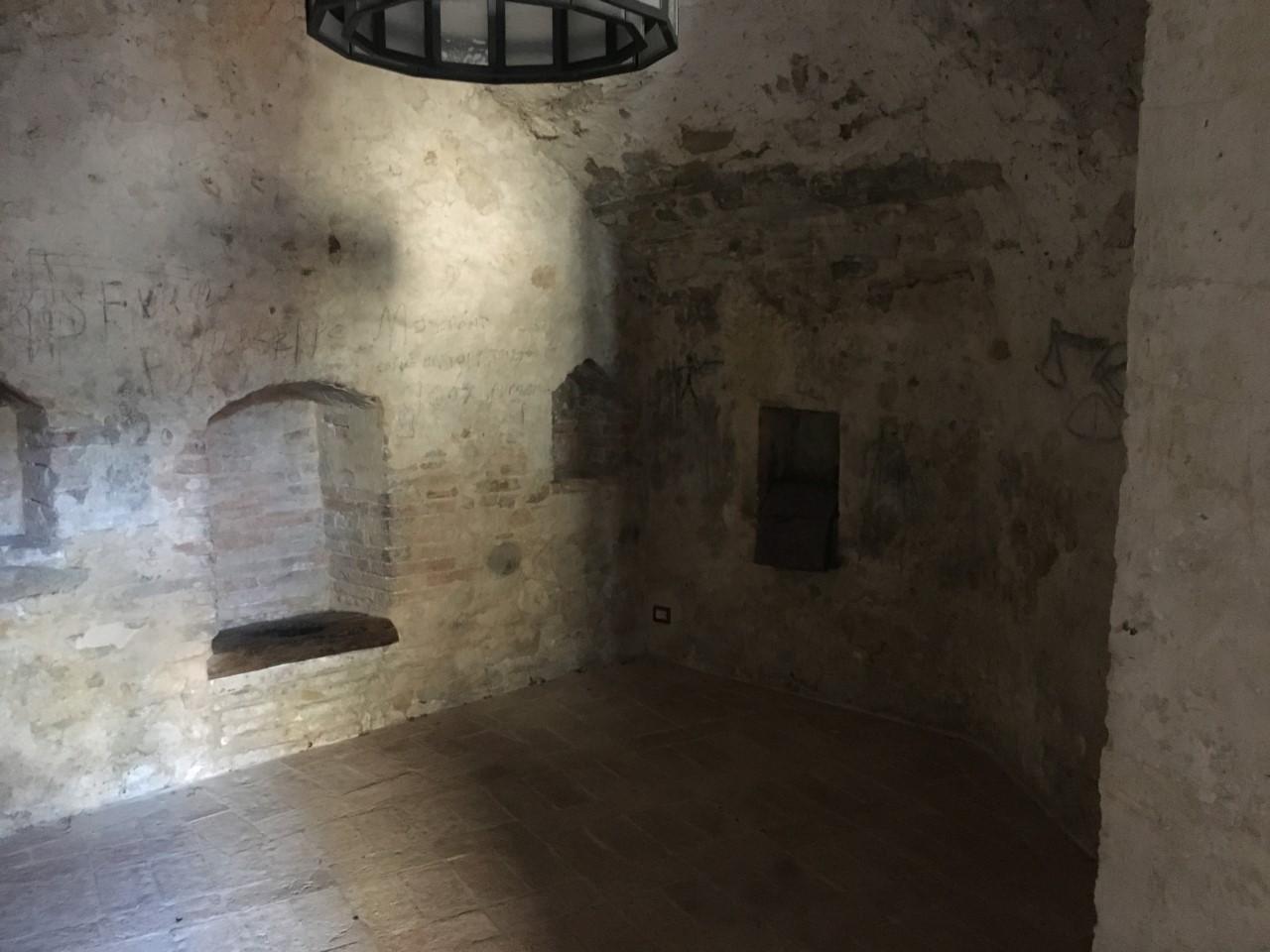 Prison cell, Piazza Fortebraccio, Montone, Umbria, August 2018