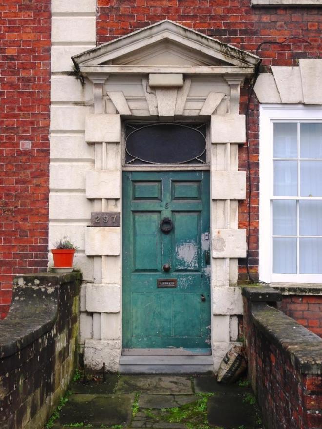 A rather tired green door, Hotwells, Bristol, March 2019