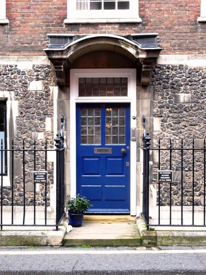 Blue four pannel door, Westminster, October 2019