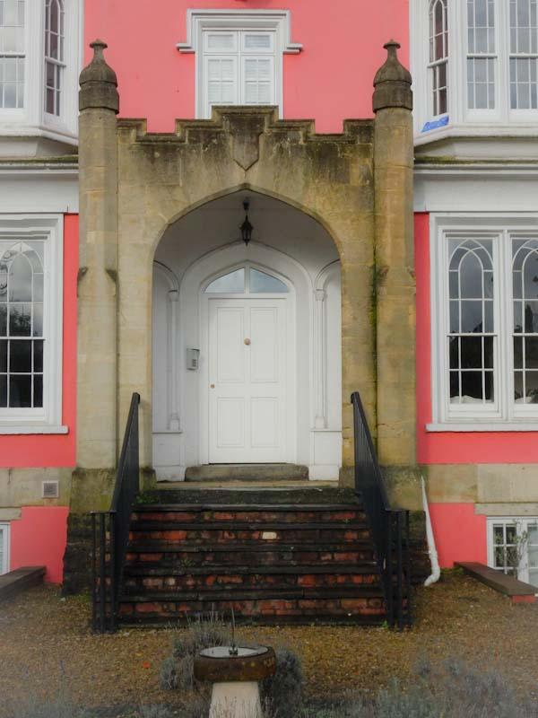 A rather grand entrance, the Harbourside, Bristol, November 2019