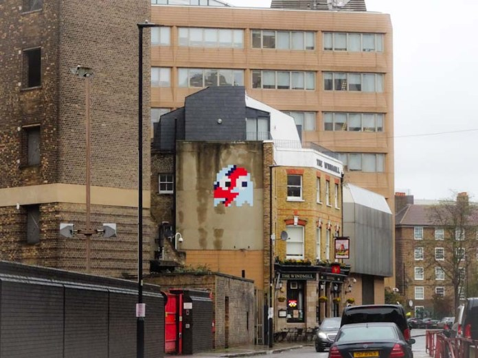 Space Invader, Lambeth High Street, London, November 2019