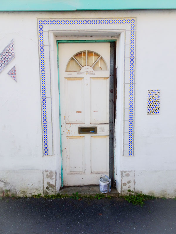 An ordinary door with an extraordinary tile surround, Montpelier, Bristol, March 2020