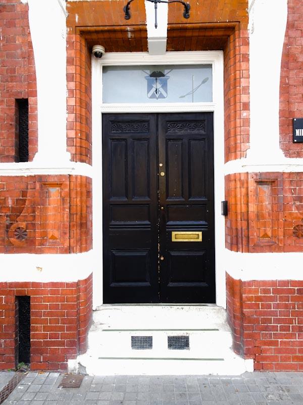 A rather fancy entrance, Bristol, September 2020