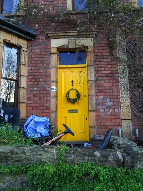 222 Yellow door and kids go Kart, Redland, Bristol, December 2020