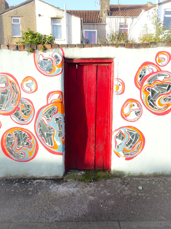 Red back gate, Devon Road, Bristol, February 2021
