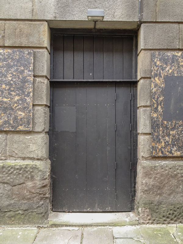 Fleece side door, Bristol, March 2021