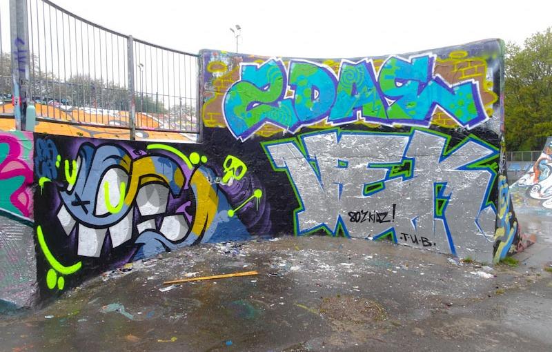 3688. Dean Lane skate park(414)