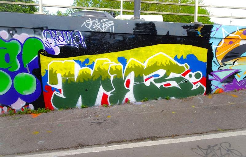 Smoke Perfume, M32 roundabout, Bristol, May 2021